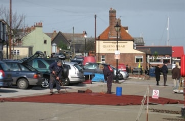 Painting sales on Maldon quayside.