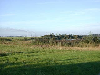 Looking onto Middle Pit from the public footpath.