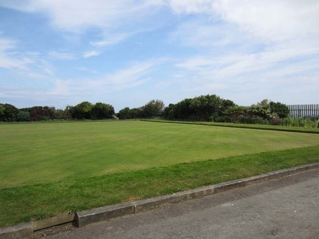 The bowling green; made famous in June 2011 by the appearance of a White-throated Robin.
