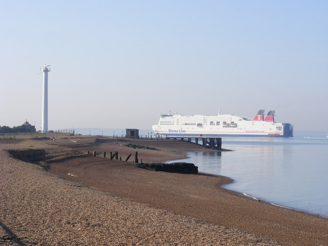 "Landguard Point &copy; Copyright <a title=""View profile"" href=""http://www.geograph.org.uk/profile/23336"">Glen Denny</a> and 
