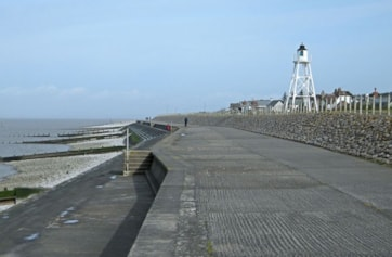 Cote Lighthouse. Although Silloth is only a half-hour drive from Carlisle, and has excellent parking provisions, this terrific promenade is often surprisingly quiet - even on a sunny Sunday morning!