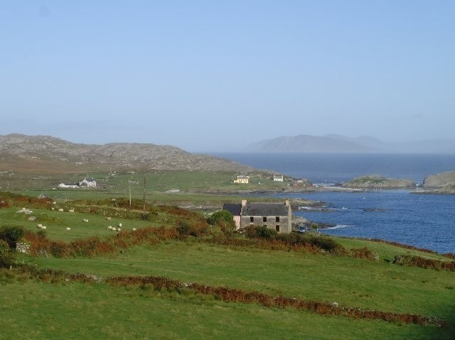 Looking towards the pier at Garinish Point. The house in the foreground was one of the favoured spots for the 2008 Scarlet Tanager while the distant fields hosted a Swainson's Thrush in October 1999.