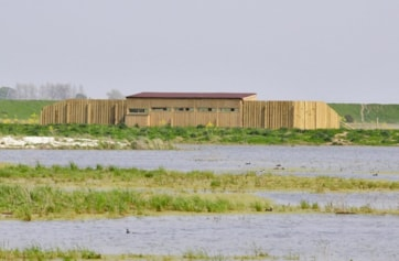 The new Reedbed Hide opened April 09.